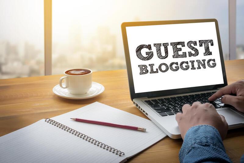 Tùy theo mô hình kinh doanh và sản phẩm của doanh nghiệp, bạn có thể mở hình thức chia sẻ bài viết về trải nghiệm sản phẩm hay các kiến thức liên quan đến sản phẩm của bạn